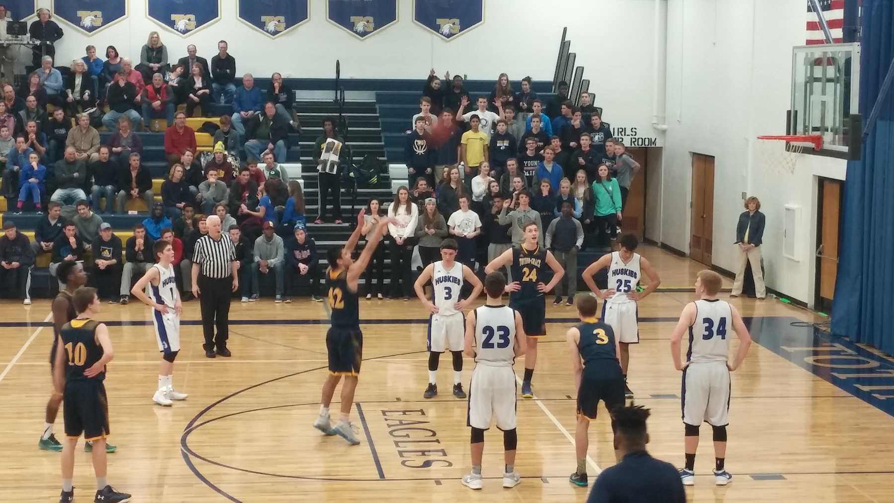 Charlie Jacob ices the game with two free throws.
