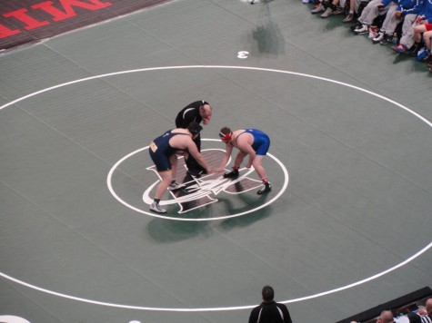 Sam Anderson prepares to wrestle his opponent.